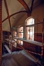 Renowacja ceglanych elewacji wewnątrz budynku